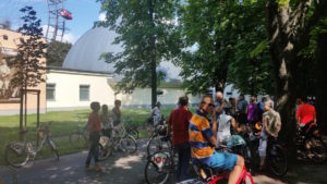 Versammlung der Gruppe vor dem Radausflug in den Prater