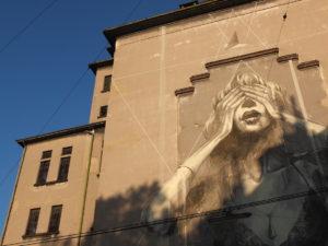 Bild der Ankerbrotfabrik mit einem riesigen Grafitti